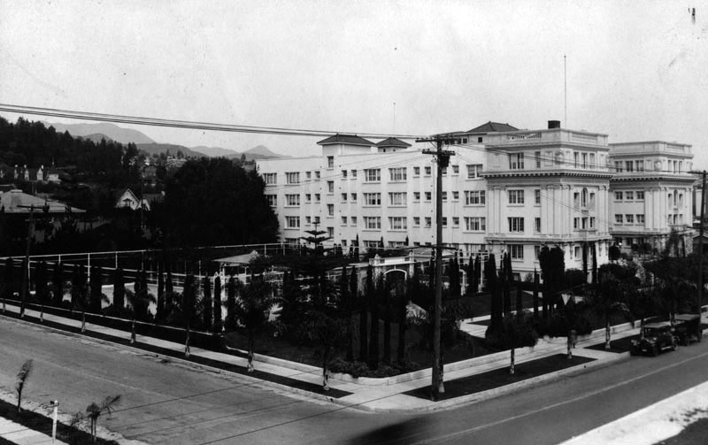 1934 View Of The Northeast Corner Sycamore Avenue And Hollywood Boulevard Showing Western Side Garden Court Apartments