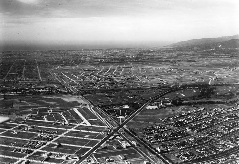Water and power associates showing where santa monica and wilshire boulevards intersect aka the point beverly hills high school can be seen at center left the good shepherd spiritdancerdesigns Image collections