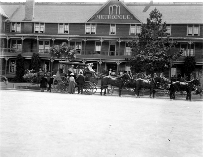 Horse Drawn Carriage 1900 a Horse Drawn Carriage