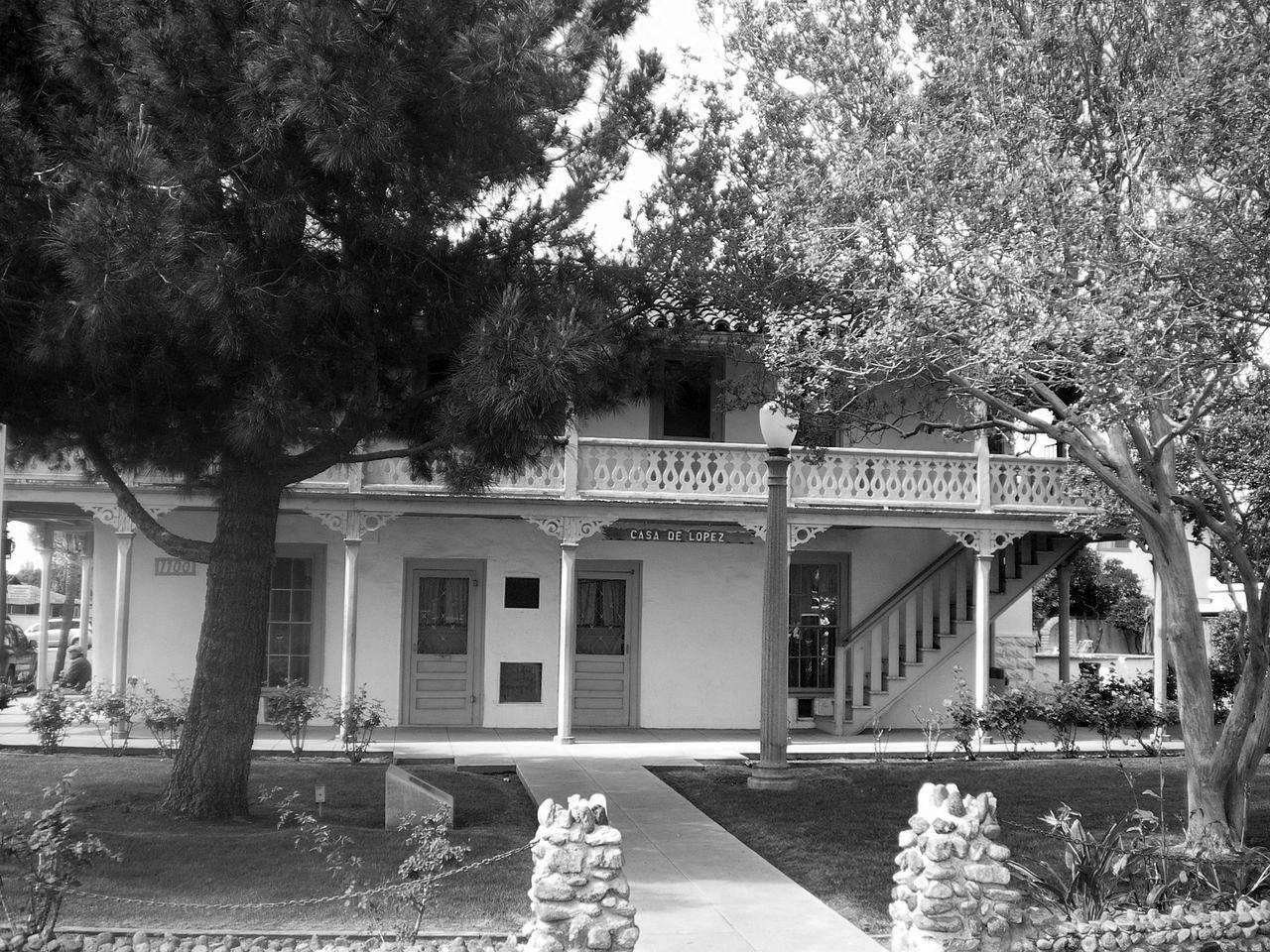 6057654932 (2008)   - Front view of Casa de Lopez (Lopez Adobe)