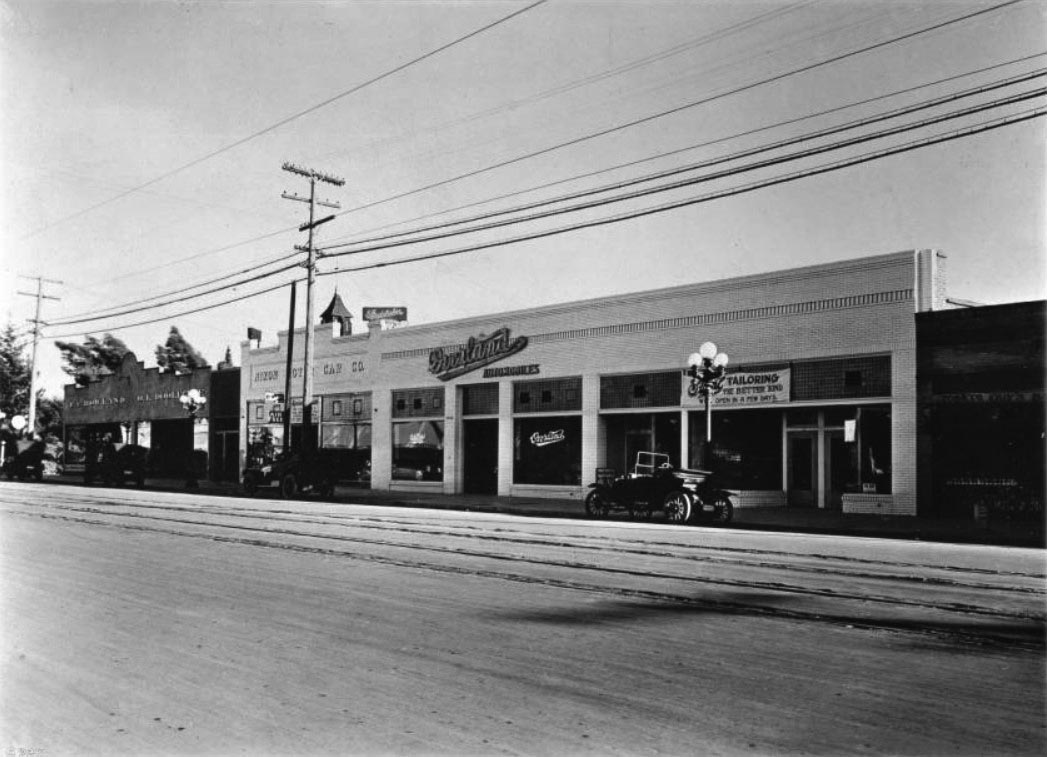 White apron brea ca -  Ca 1912 View Looking West On Hollywood Boulevard Between Las Palmas Street And Cherokee Avenue A Row Of Long Adjacent One Story Commercial