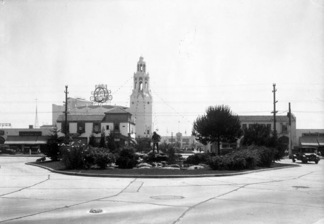 af5b5a83e3ab (1930)* - Looking south from McCarthy Vista towards Henry Lion's 'Pioneer  Fountain Group' statue; just beyond it, across San Vicente Boulevard, ...
