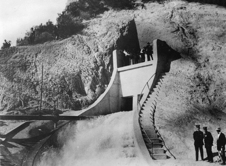 the history and benefits of constructing the los angeles aqueduct Thirsty city an environmental as with the los angeles aqueduct be not only the most massive infrastructural project in the state's history but also its.