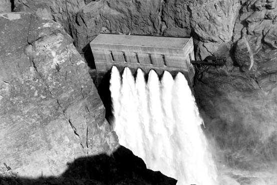 Inside Hoover Dam Spillway - 0425