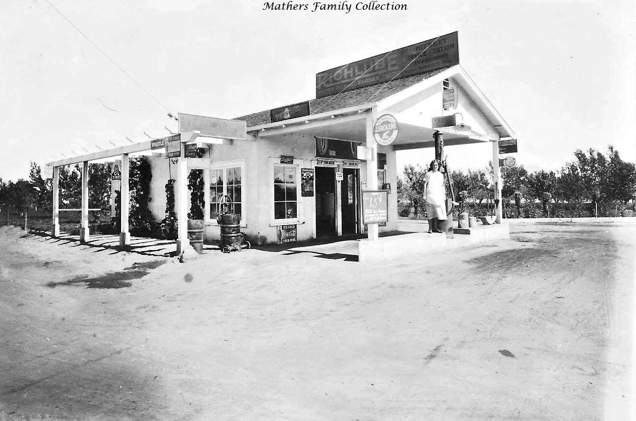 Pyroil Wonder Gas Oil Service Station Photo Auto Car  California 1934
