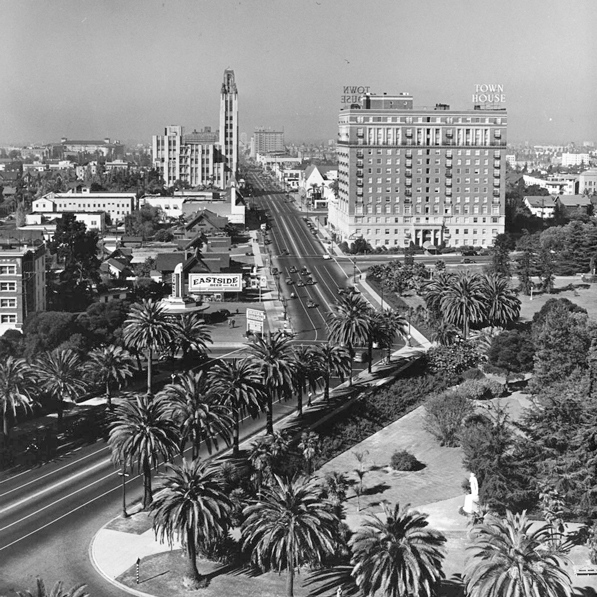 ... Past The Town House, The Bullocku0027s Wilshire Tower, Towards The Gaylord  Apartments And The Ambassador Hotel At Wilshire Boulevard And Kenmore  Avenue.