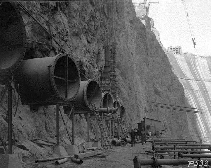hoover dam histoy essays Free essays from bartleby | hoover dam the hoover dam is one of america¡¦s greatest civil engineering marvels (hernan 22) and ¡§has become a magnet to those.