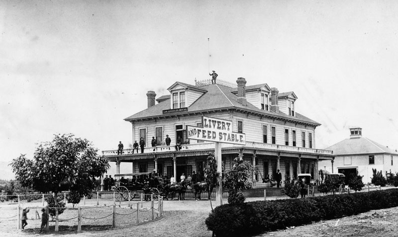 1885 View Of The Los Angeles House Hotel Located On Northwest Corner Colorado And Fair Oaks A Horse Drawn Carriage Is Stopped At