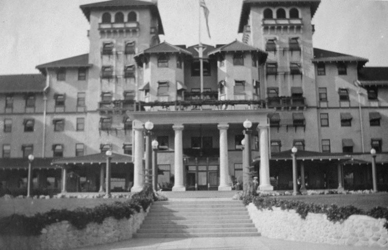 1902 Exterior View Of The Raymond Hotel Located In Pasadena Shows Stairs At Front Four Tall Pillars Grace Entranceway